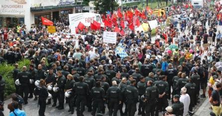 policeG7 march